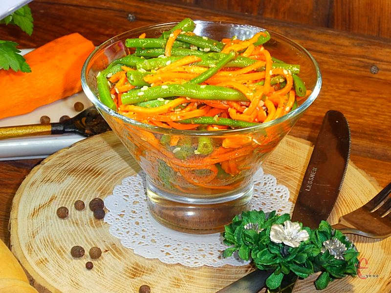 Яскравий, насичений та пікантний салатик, як сама Азія!