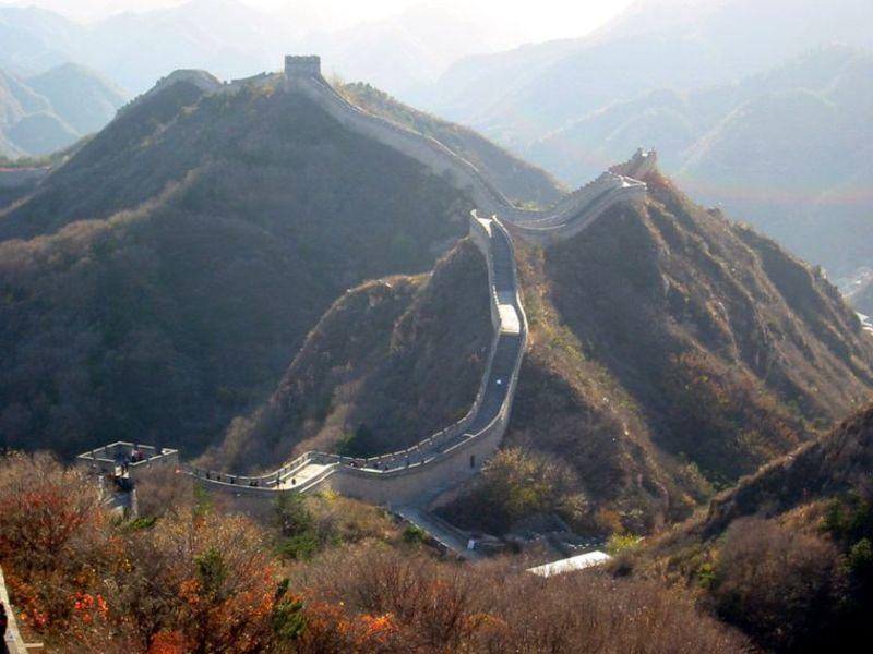Також що влада Китаю повідомила про відкриття невеликої частини головної туристичної атракції країни — Великого китайського муру