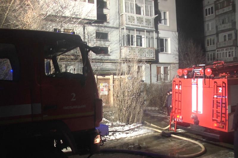 Близько півночі загорілася квартира в мікрорайоні Ракове