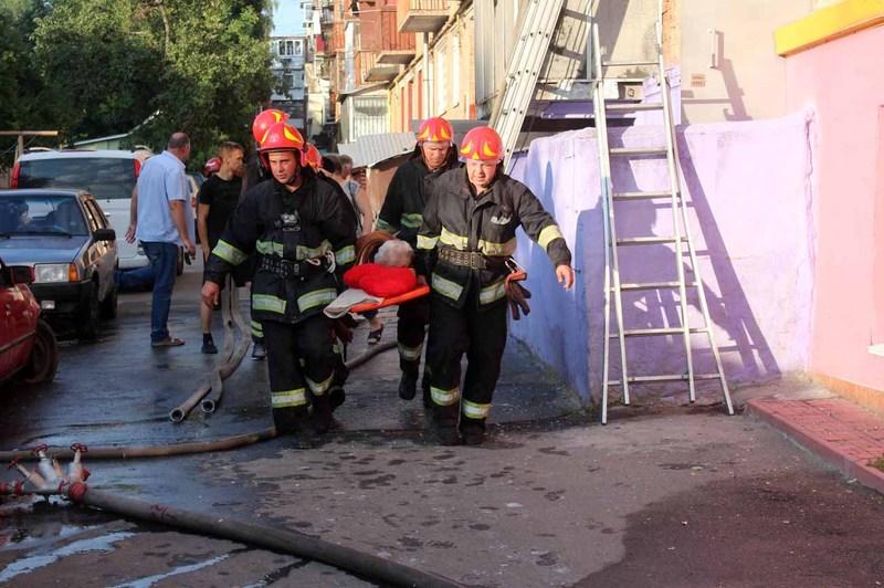Пожежа виникла в будинку на вулиці Кам'янецькій