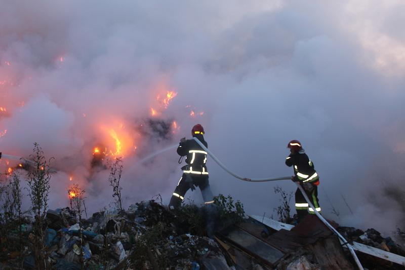Вогонь знищив 250 квадратних мерів сміття поблизу Славути