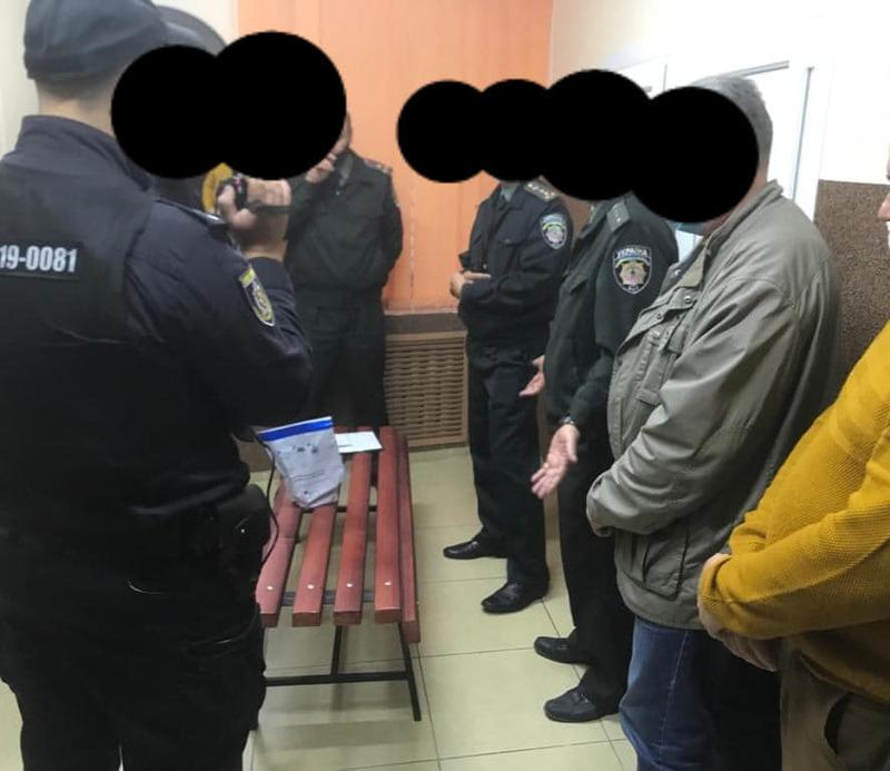 Працівнику слідчого ізолятора, який намагався пронести в установу наркотики, обрано запобіжний захід у вигляді домашнього арешту