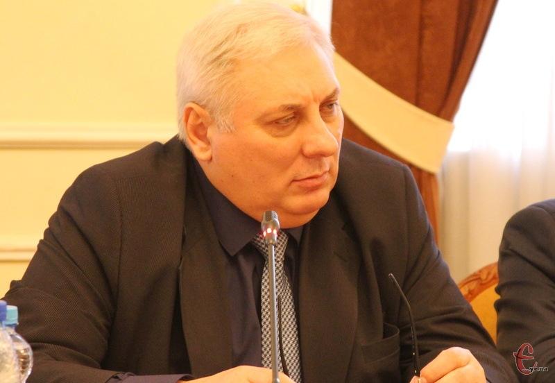 Сергій Пенюшкевич вважає, що депутати Хмельницької обласної ради навіть якщо на профтехосвіту в держбюджеті не передбачать субвенцій, повинні закласти її до обласного бюджету на 2016 рік