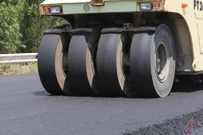 За версією досудового слідства, у Тефополі за ремонт дороги безпідставно сплатили понад 200 тисяч гривень