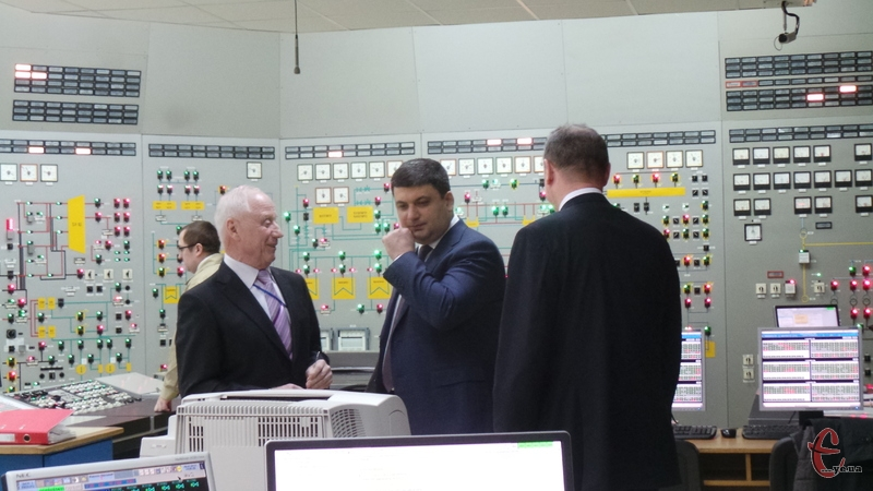 На Хмельницькій АЕС Гройсман анонсував зниження цін на електроенергію для промвиробників