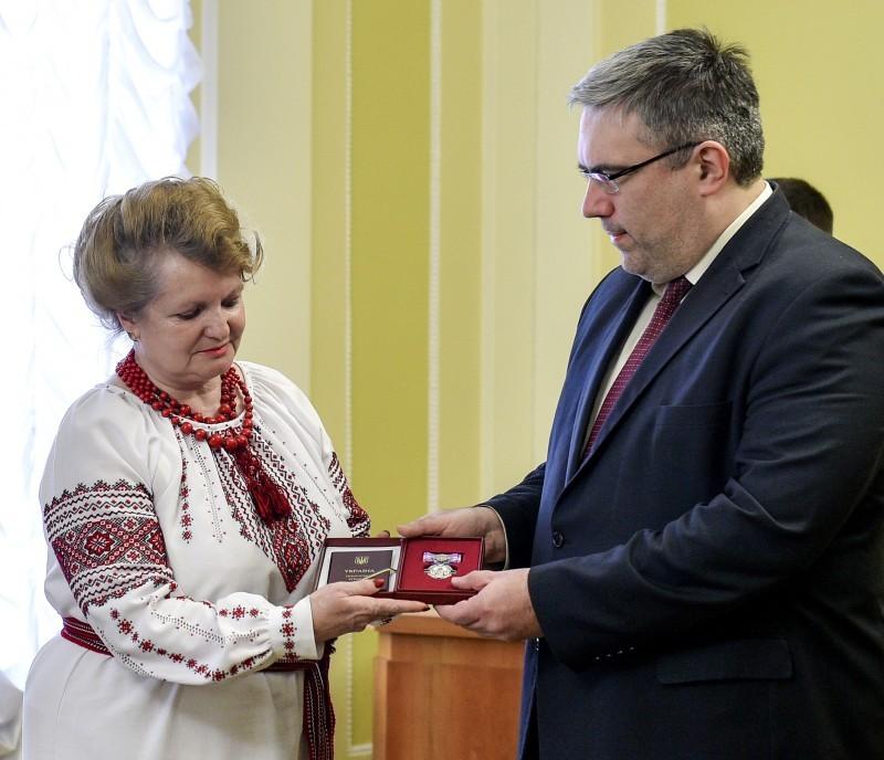 Тетяну Бондарчук нагородили орденом княгині Ольги ІІІ ступеня