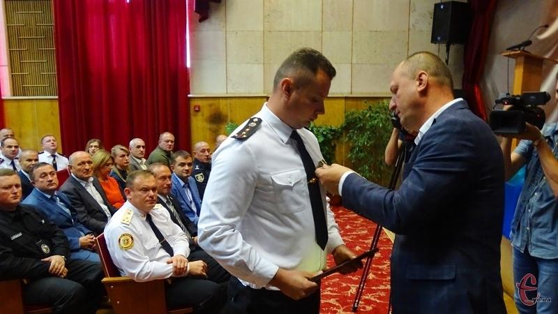 Президентські відзнаки вручав голова Хмельницької ОДА