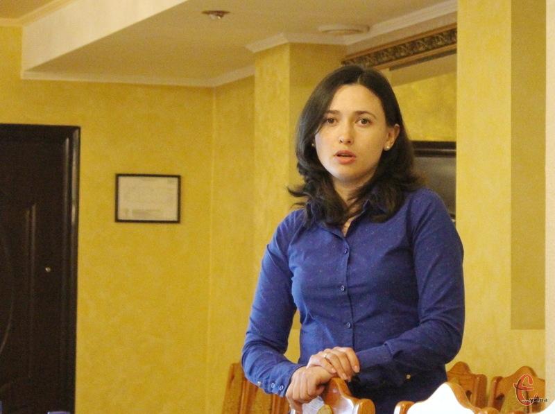 Оксана Банкова з Опори каже, що іноді знайти партійний осередок якоїсь партії доволі проблематично