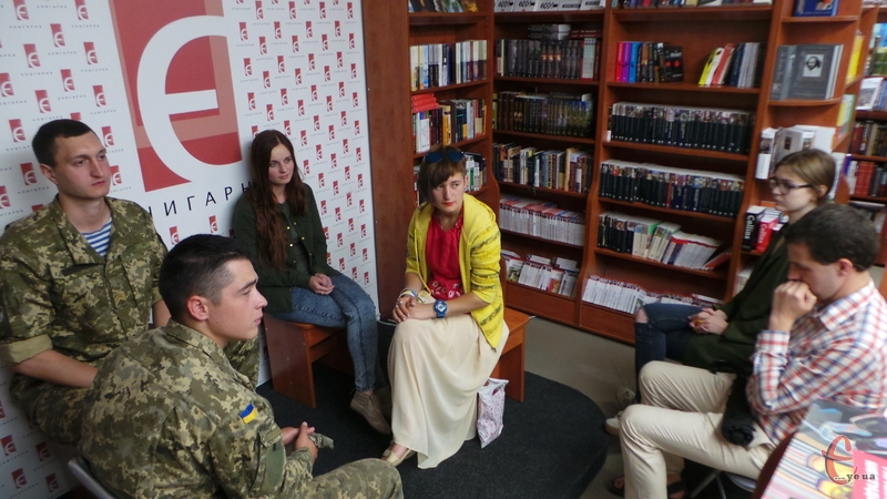 Хмельничани прийшли поговорити з вояками