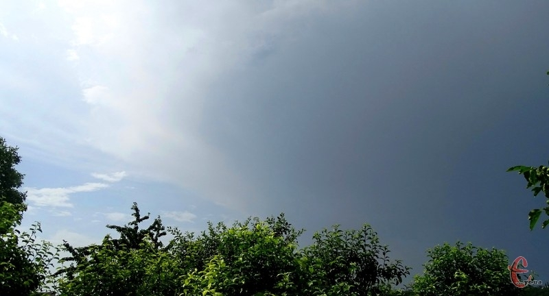 У понеділок дощитиме