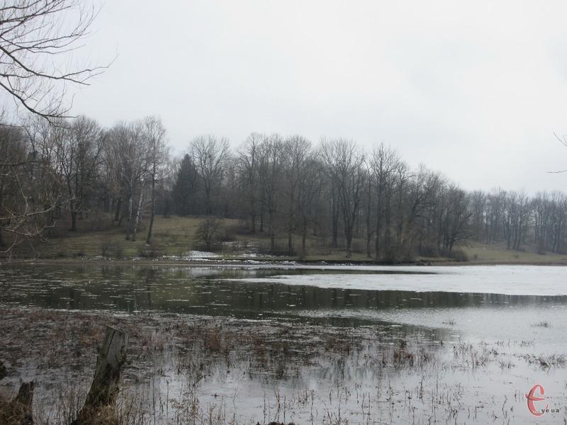 За температурними показниками день нагадуватиме ранню весну чи пізню осінь