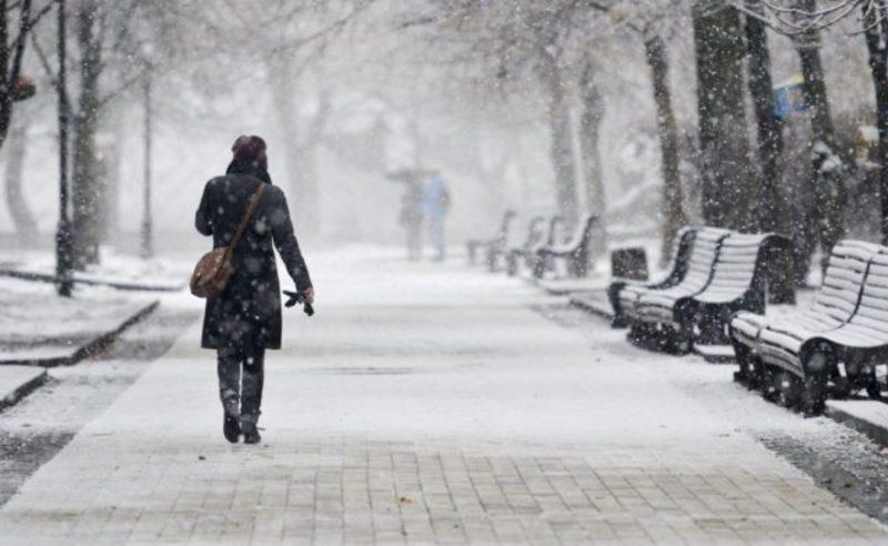 Циклон з атмосферними фронтами принесе сніг
