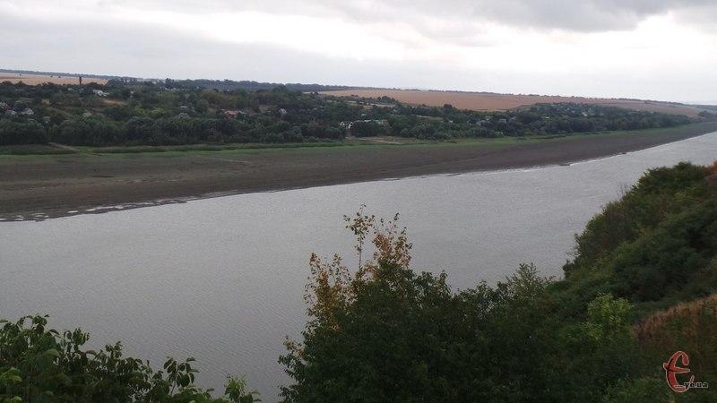 Три гектари прибережних земель Дністровського водосховища повернули державі