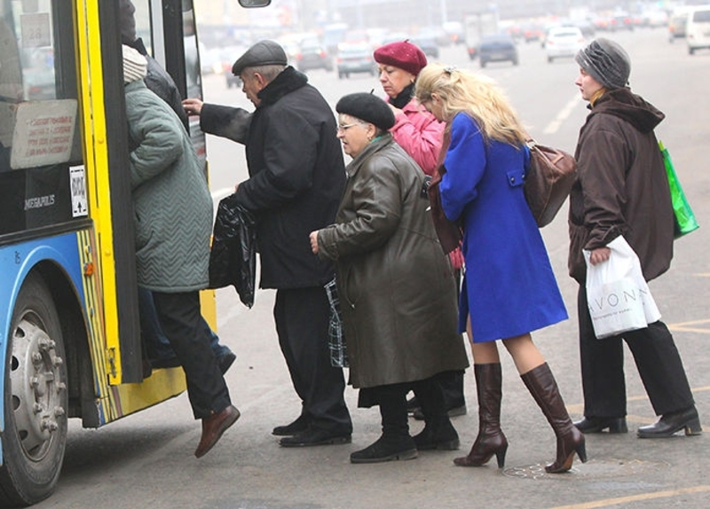 Пільговики у Старокостянтинові тепер зможуть їздити у зручний для них час