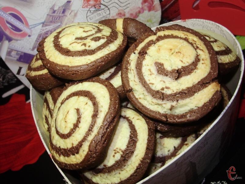 Печиво виходить не солодким. Тому, якщо ви солодкоїжка, збільшуйте кількість цукру.