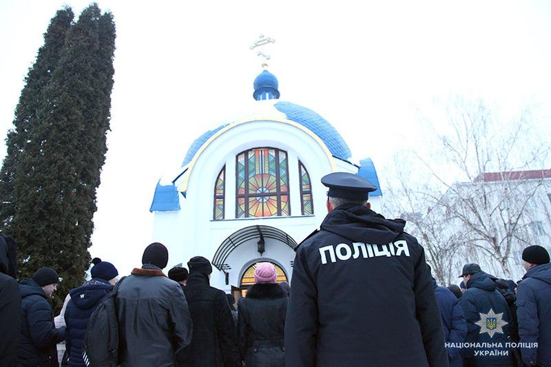 На Хмельниччині під час святкування Великодня охорону публічної безпеки забезпечуватиме понад 700 поліцейських