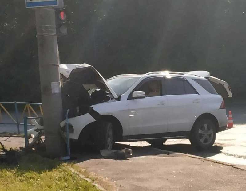 Аварія сталася на перехресті вулиць Озерна – Старокостянтинівське шосе