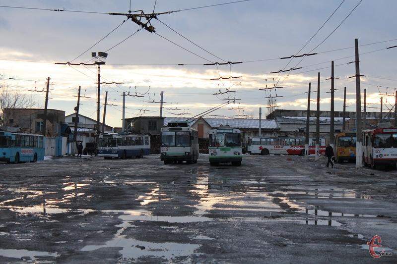 Із першого березня проїзд у громадському транспорті Хмельницького зросте на 0,5-1 гривні