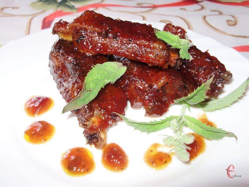 Рум'яні, хрусткі, з апетитною скоринкою... Їх готують на природі, вдома на грилі або в духовці, а подають як другу страву з овочами й картоплею!