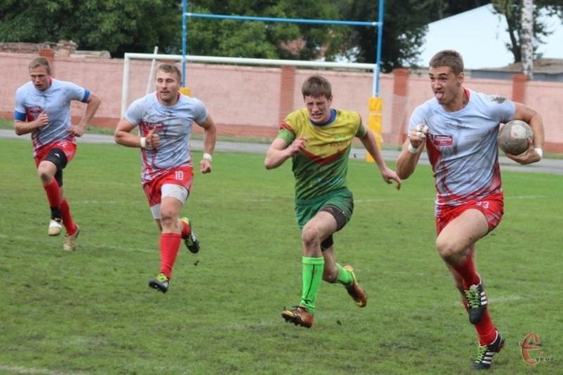 Хмельницький регбійний клуб Еволюшн Севенс зберігає високі шанси на здобуття срібних нагород чемпіонату України з регбі-7