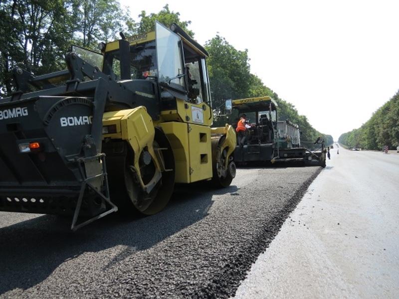 Ремонт дороги поблизу Дунаєвець закінчать протягом тижня.