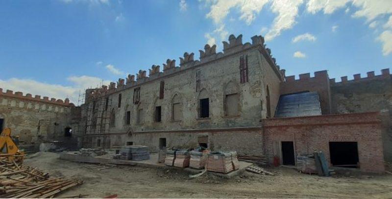 Тимчасові металеві конструкції, які утримували стіну від падіння, зняли
