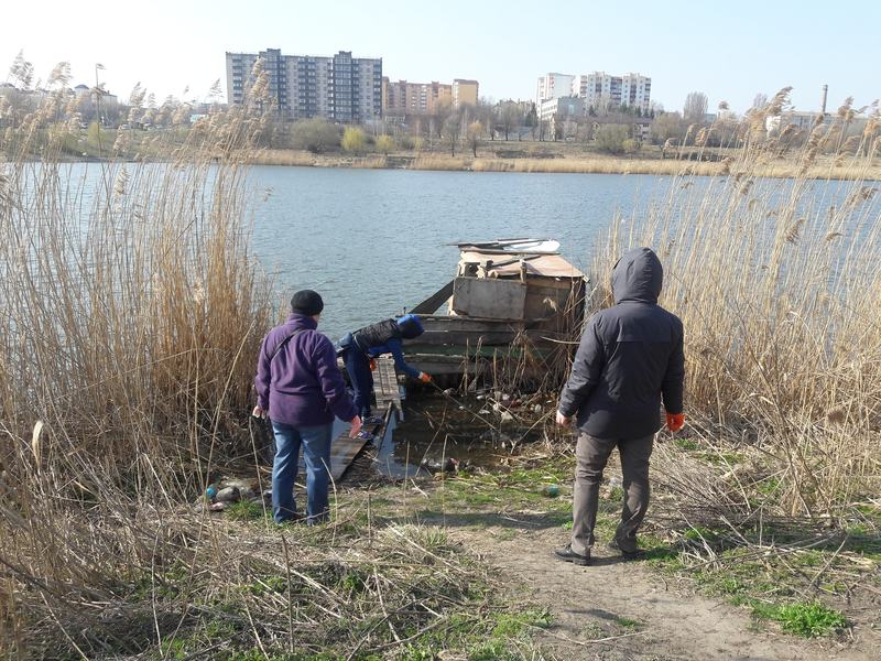 Хмельницькі рибалки і організували акцію «Чистий берег»