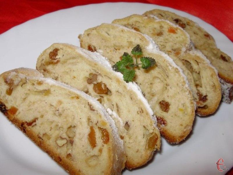 Дрезденський дріжджовий кекс — найзнаменитіша версія німецького кексу, який традиційно випікається під час різдвяного посту й настоюється до самого Різдва.