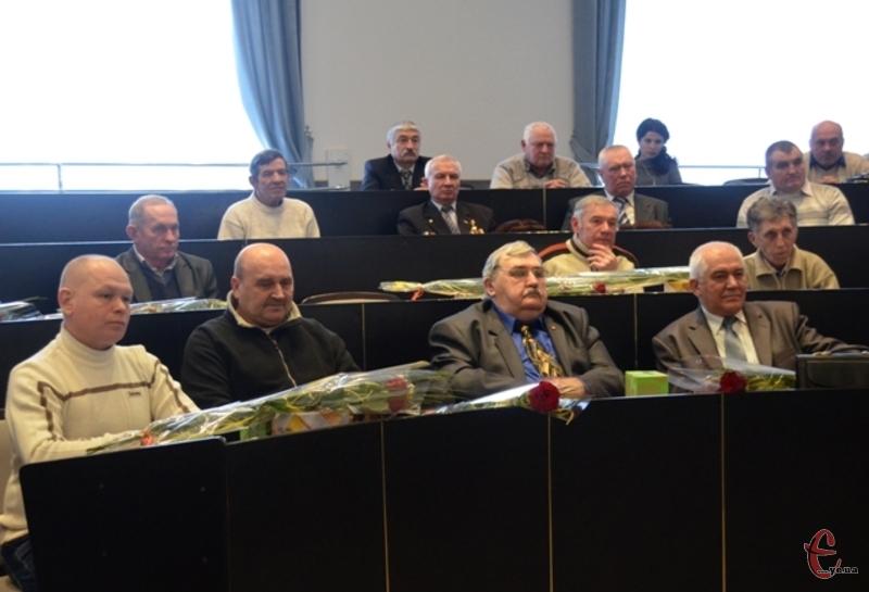 Учасників ліквідації аварії на Чорнобильській АЕС нагородили почесними грамотами, медалями і цінними подарунками
