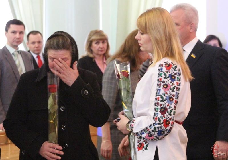 Орден, яким нагородили Івана Віхтюка, отримати мати та дружина загиблого Героя