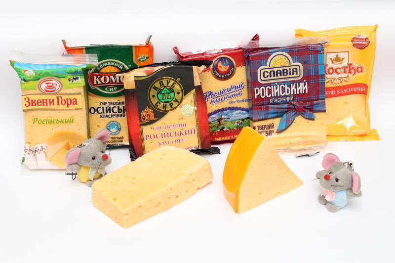 «Проскурівський телеграф» вирішив дізнатися, який виробник робить смачніший сир й влаштував у редакції дегустацію цього молочного продукту