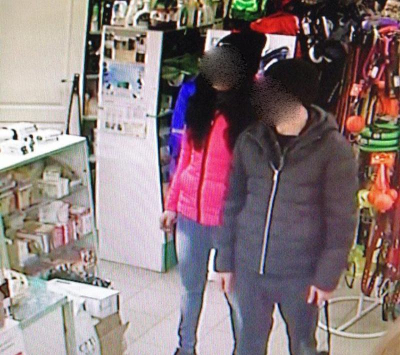 Підозрюваний зафіксувала камера спостереження і вже наступного дня їх затримали