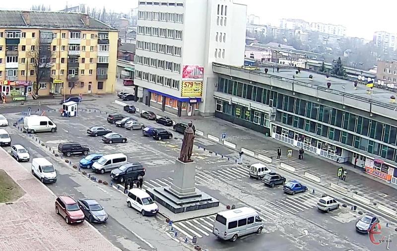 Вже 28 березня, можливо, Рівненський апеляційний суд поставить крапку в справі парковки на привокзальній площі в Хмельницькому