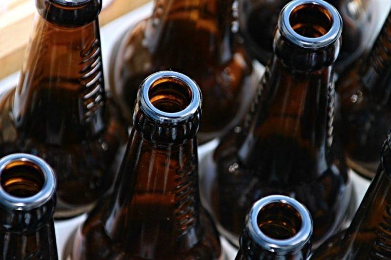 На Хмельниччині за незаконне виготовлення та збут алкогольного фальсифікату члени організованої групи постануть перед судом