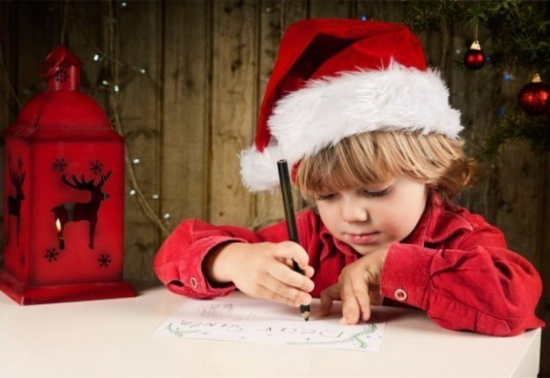 Героскутер та екшн-камера: що просять хмельницькі дітлахи в Діда Мороза