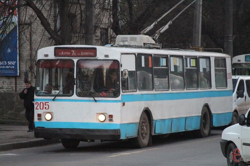 Через обрив контактної мережі в Хмельницькому чимало тролейбусів зупинилися