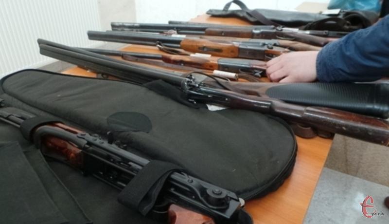Найбільше зброї здали до Хмельницького відділу — 62 одиниці