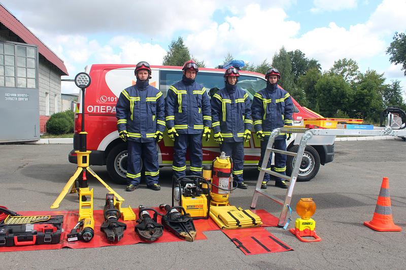 Парк автотехніки рятувальників Хмельниччини поповнився новим сучасним аварійно-рятувальним автомобілем