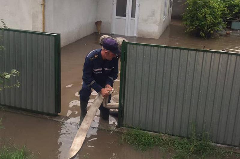 Злива завдала клопотів мешканцям Дунаєвець