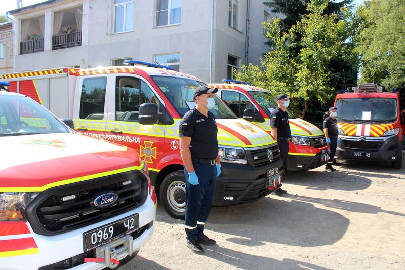 Пожежний автопарк рятувальників області поповнився п\'ятьма автомобілями