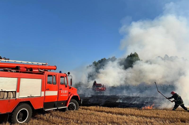 Рятувальники закликають паліїв не робити шкоди навколишньому середовищу та не заважати їм рятувати людей