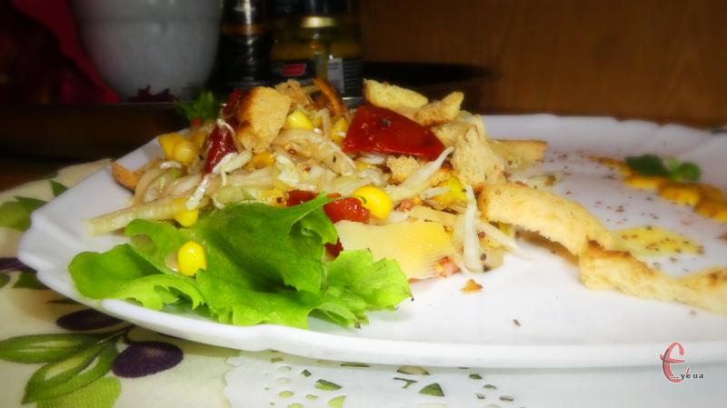 Ніжний, легкий та божевільно смачний салат.