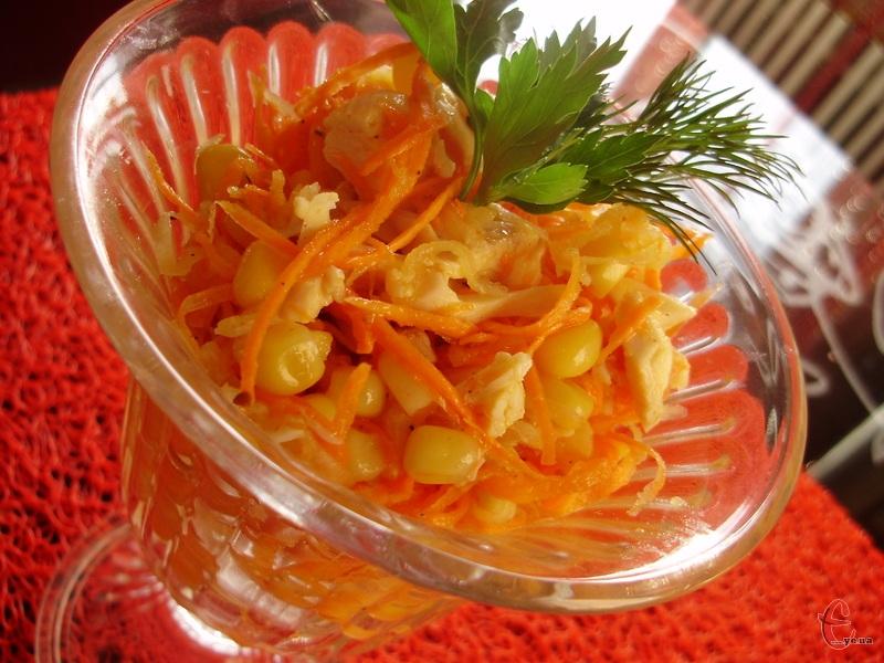 Ніжний, красивий, корисний салат на щодень.