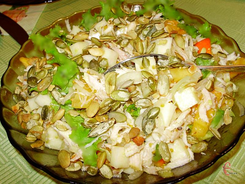 Стигла хурма ідеально поєднується з куркою та практично зі всіма сирами.