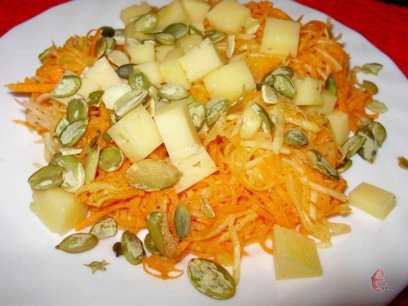 Смажене насіння — незвичний, але дуже корисний інгредієнт салату.