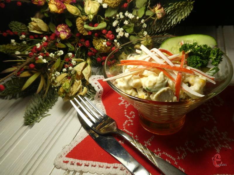 Салат смачний, легкий та швидкий у приготуванні, надзвичайно апетитний.
