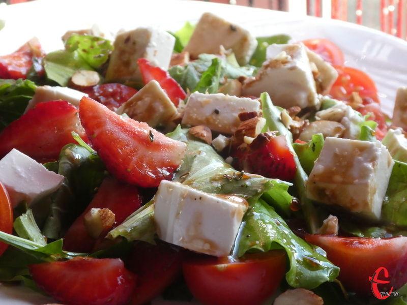 Швидкий та простий в приготуванні салат, але вишуканий і неймовірно смачний.