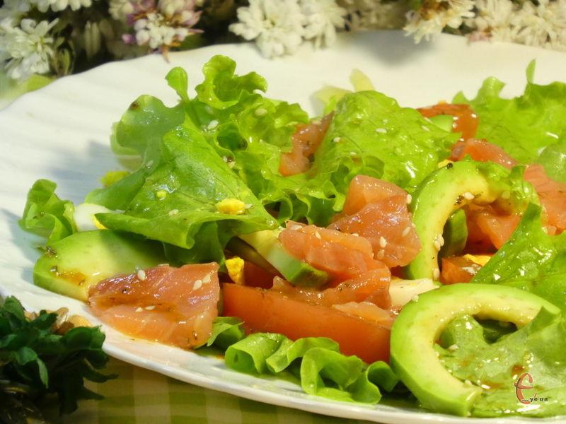 Салат яскравий, корисний, а головне — дуже смачний!