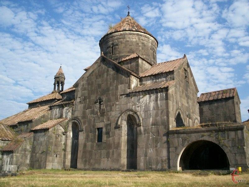 Діючий монастир у селищі Ахпат, заснований у Х столітті