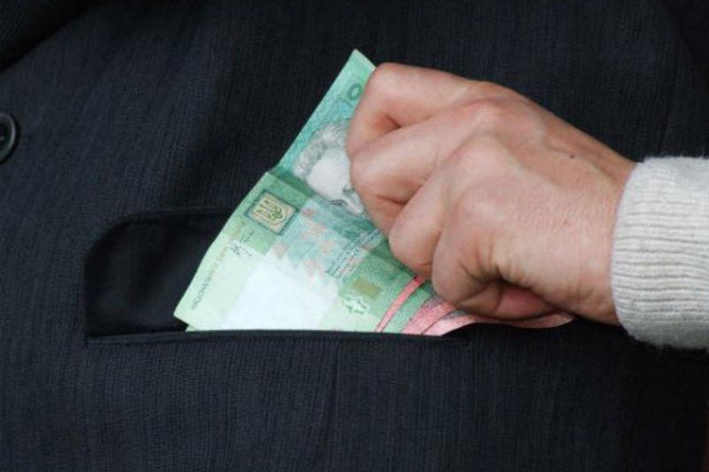 Колишньому даївцю загрожує штраф або навіть позбавлення волі за 3500 гривень хабара